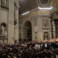 Roma, Giubileo: le spoglie di padre Pio arrivano a San Pietro. In 25mila alla processione