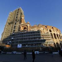 Roma, il Colosseo torna 'libero': ponteggi via dopo 3 anni