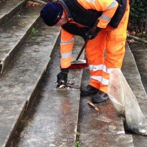 Roma, Fendi restaurerà la scalinata del Colosseo Quadrato danneggiata dai vandali