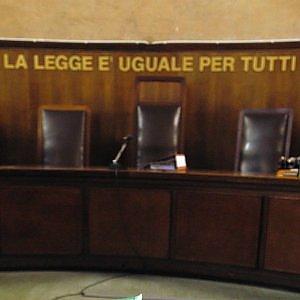 """Roma, """"fallimenti illegali per intascare denaro"""" a processo giudice Schettini"""
