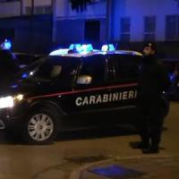Roma, vendevano la droga sequestrata durante i controlli: arrestati quattro