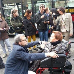 Comunali Roma, Giachetti e Argentin restano a piedi. Il bus non ha la pedana
