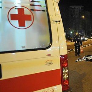 Roma, scontro tra auto e bus: un morto e tre feriti