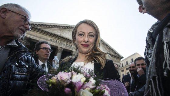 """Comunali, Meloni: """"Mi candido"""". Salvini: """"Puntiamo al ballottaggio con lei"""". Bertolaso: """"Non mi ritiro"""""""