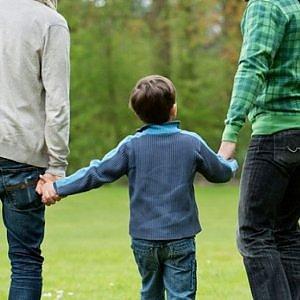 Tribunale dei Minori di Roma, sì alla coppia di papà che vogliono adottare il figlio