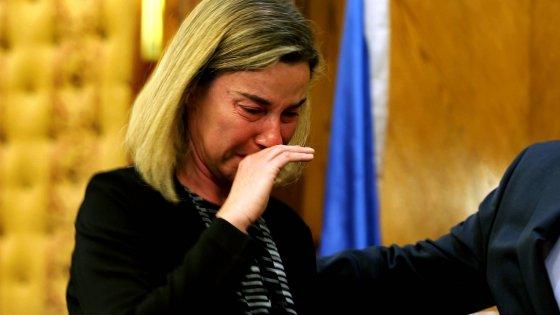 """Attacco a Bruxelles, Bertolaso: """"Sarò maschilista, ma imbarazzanti le lacrime della Mogherini"""""""