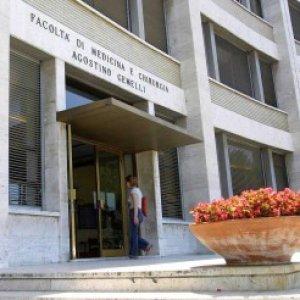 Roma, boom di camici bianchi alla Cattolica: 25 per cento di iscritti in più al test di Medicina