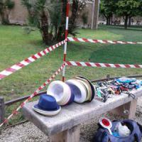 Roma, venditori abusivi nel Giardino degli aranci appena restaurato. Blitz dei vigili