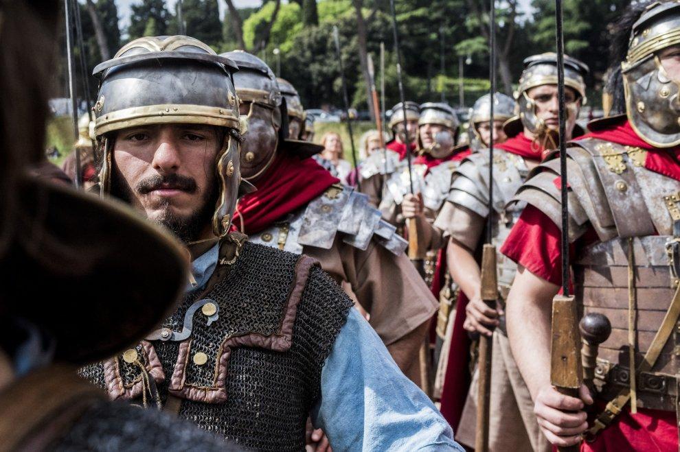 Dal Circo Massimo al Colosseo, 2mila gladiatori e centurioni per la rievocazione storica