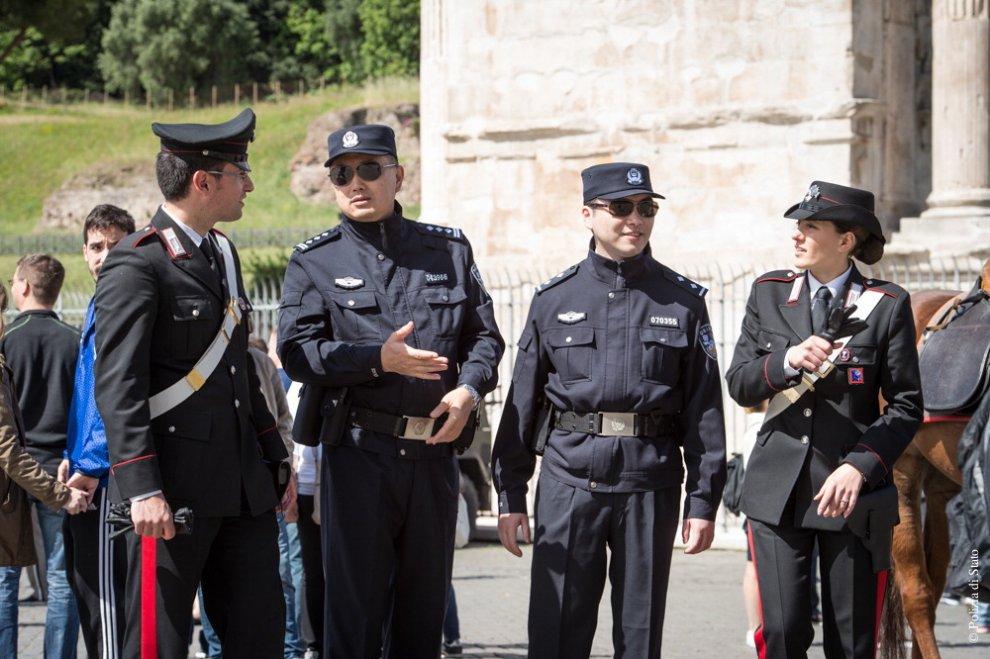 Italia cina pattugliamenti congiunti della polizia a roma for Polizia di stato roma permesso di soggiorno