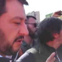 """Comunali a Roma, """"Salvini non ti vogliamo"""" leader Lega  salta visita a mercato Montagnola"""