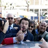 """Comunali a Roma, """"Salvini non ti vogliamo""""  contestato alla Montagnola. """"Centri sociali..."""