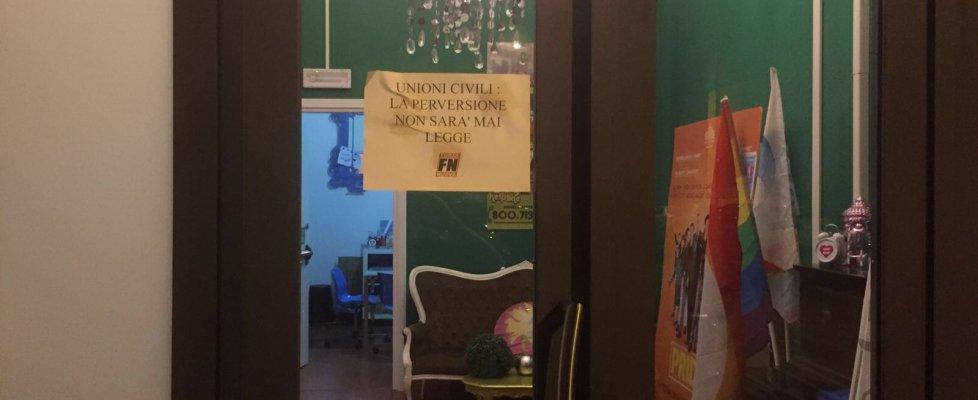 """Blitz di Forza Nuova contro sede Gay Center a Roma. Il candidato consigliere: """"Perversione non sarà mai legge"""""""