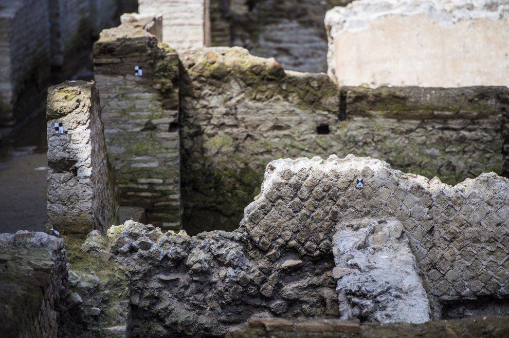 """Roma, caserma romana scoperta sotto metro C. """"Prima grande stazione archeologica"""""""