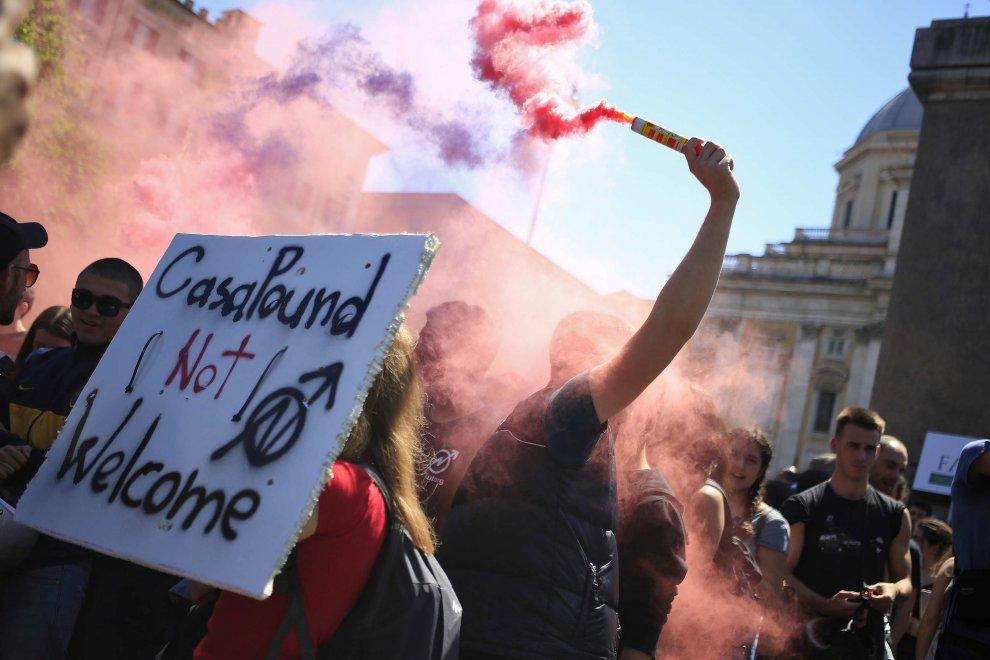 Roma, corteo Casapound: il contro-presidio dell'Anpi