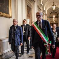 Roma, Bergoglio in contra Tronca e lo staff:
