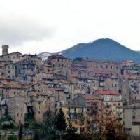 Carpineto Romano, crolla un solaio: due feriti