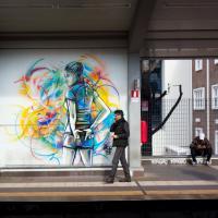 Roma, pallavolo e street art colorano la fermata Due Ponti