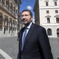Comunali a Roma, Marino attacca Renzi e Giachetti: