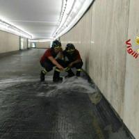 Traffico in tilt a Roma, chiuso e poi riaperto un tratto del Muro Torto:
