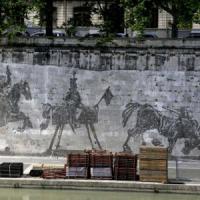 Roma, mille per il murale: firme e flash mob contro gli stand davanti a