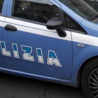 Roma, tenta il suicidio arrampicandosi su un palazzo: salvato dalla polizia