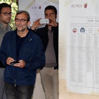 Amministrative 2016, Giachetti vota a Roma nel seggio di Monteverde