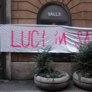 Roma, rioccupato il Teatro Valle. Ma le forze dell'ordine lo sgomberano