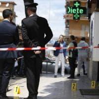 Roma, sparatoria durante una rapina in farmacia: feriti carabiniere e rapinatore