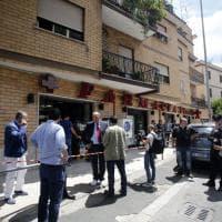 Roma, conflitto a fuoco durante la rapina in farmacia: feriti carabiniere e bandito