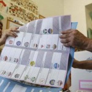 Roma, lo scrutinio delle Comunali finisce in Procura tra caos seggi e preferenze