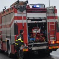 Roma, incendio tra Anagnina e Cinecittà