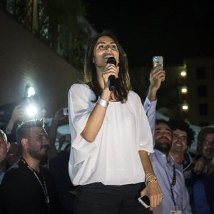 """Il M5s conquista Roma: la Raggi eletta sindaca con il 67%. """"Momento storico, hanno vinto i romani"""""""