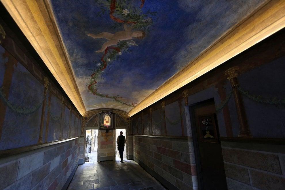 Roma, il Biscione a colori: il passetto che Lucifero ha tinto di nuovo
