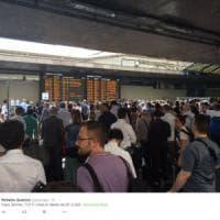 Roma, mezzi in tilt: rallentamenti in metro, caos e ritardi a Termini