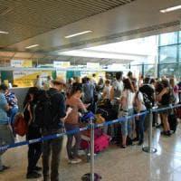 Fiumicino, altoparlante lancia allarme per errore: fuggi fuggi al terminal