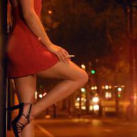 Roma, picchiano una prostituta e la rapinano, due arresti
