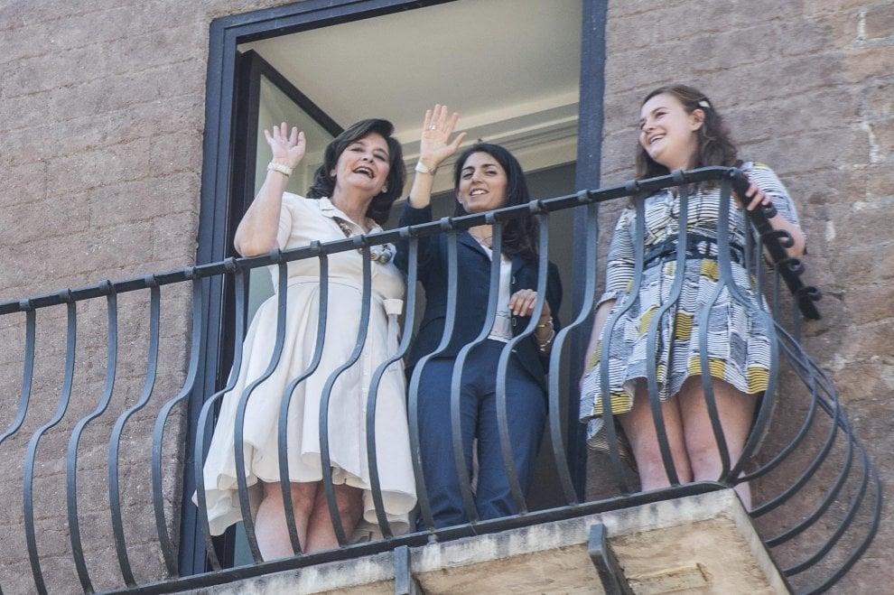 """Cherie Blair incontra in Campidoglio la sindaca Virginia Raggi: """"La sua nomina è una cosa grande per Roma"""""""