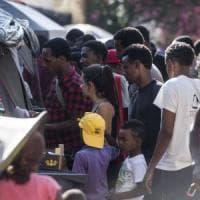 Roma, migranti: visite gratuite  all'ex Baobab nel camper del Vaticano