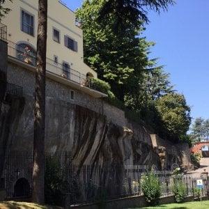 Rapina nella villa ai Castelli del parlamentare Angelucci, custode immobilizzato