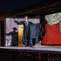 Roma, portate le sedie, in piazza c'è l'Opera