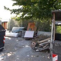 Roma, scarica rifiuti ingombranti al Portuense: multato