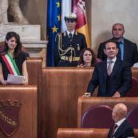 Roma, le opposizioni al M5s: