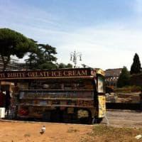 Roma, in centro si riapre la guerra dei camion bar