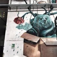 Pomezia, la street art colora il capannone industriale