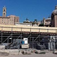 Roma, maxi palco al Foro Romano per Music of Mercy: