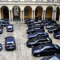 Roma, giunta Raggi taglia auto blu e permessi Ztl.