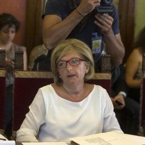 """Rifiuti Roma, nuova contesa tra l'assessora e Ama: """"Chiesti altri 30 mila euro"""""""