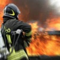 Roma, incendio sulla Salaria. Fiamme vicino all'aeroporto dell'Urbe