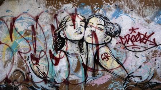Roma, writer contro street artist: la guerra dei muri